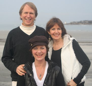 Alan Sheets, Siska Tovey, Siv Roland smiling on the beach